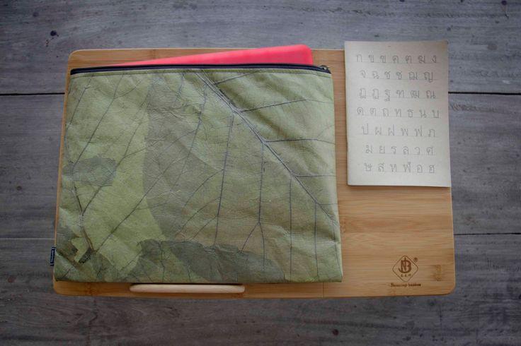 Real Leaf Laptop case 13 -14 inch (Green), Laptop Hülle aus Blättern, Notebook Tasche 13 - 14 Zoll, wasserabreisend by ByCopala on Etsy
