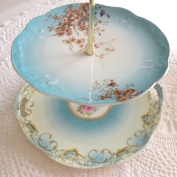 Isn't this beautiful for your tea cookies, cakes, or sandwiches?