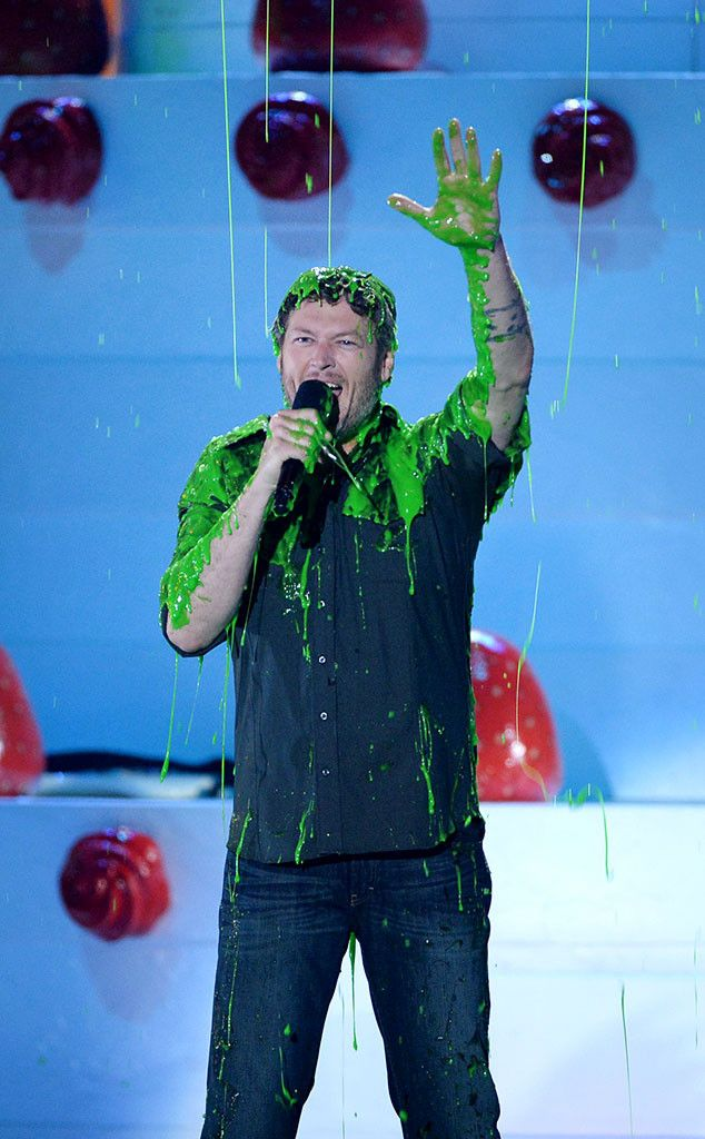 5 Times Blake Shelton Was the Perfect Host at the 2016 Kids' Choice Awards | E! Online Mobile