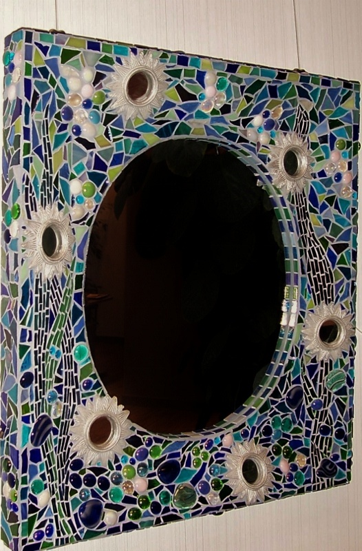 Mirror Bottom Of The Sea Gl Mosaic In Blue And Green Tones Finished With Silver Frames Mirrors Pinterest