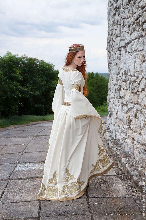 """Свадебное средневековое бархатное платье """"Посвящение в рыцари"""" #wedding #dress…"""