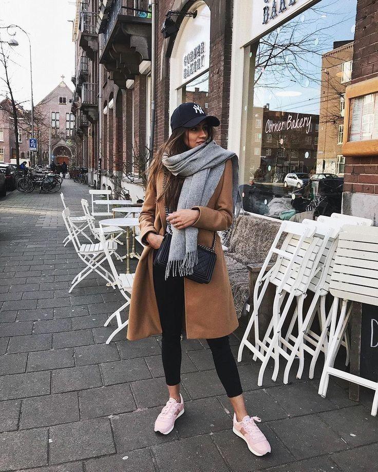Black leggings, gray scarf, brown jacket, hat, white sneakers, #brown #grey #jacket #leggings #schal