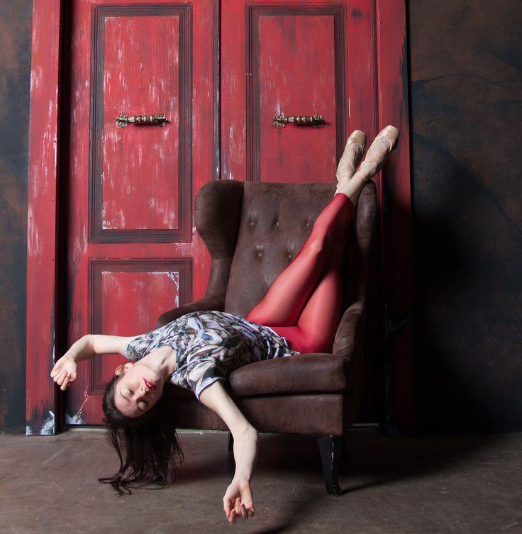 Sweet dreams for everyone...   Charming Valeriya Mukhanova   in Ballet Maniacs.  Thank you for photo Karina Zhitkova   #balletmaniacs #balletwear #balletbeautifulgirls #russianballerina #pointeshoes #dancerlife #fashion #sweetdreams #ballerinas #pointe #dancewear #balletdancer