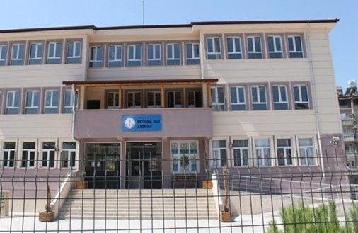 Erdoğan'ın Antakya'daki mitingi öncesi bazı okullar 'öğretmenler kurulu toplantısı' gerekçesiyle tatil edildi. Eğitim Sen eğitimcilere çağrı yaptı: Bu suça ortak olmayın