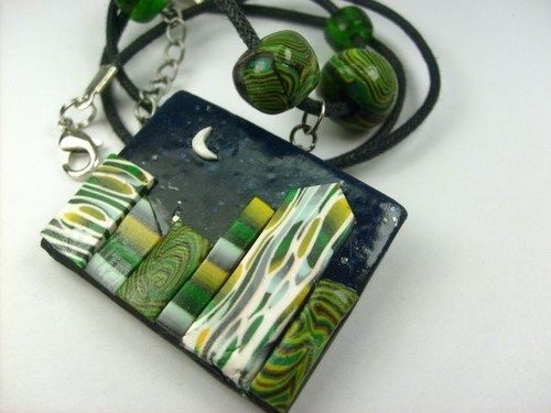 Polymer clay neckless bij night. It is a beauty! :)
