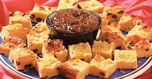 Aprenda a preparar a receita de Pudim de pão diet com calda de ameixas