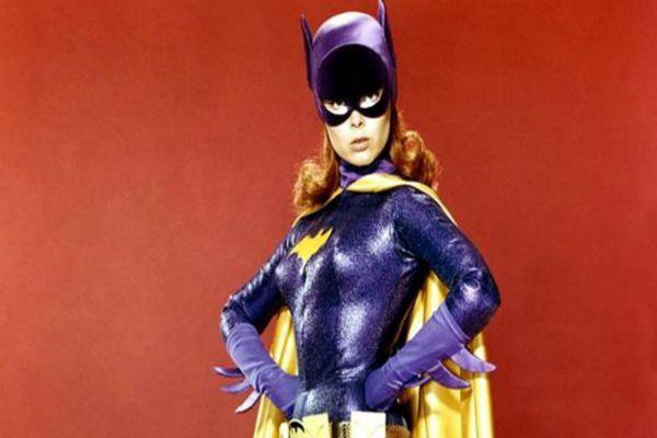 Yvonne Craig, actriz que interpretó a Batichica en la serie de televisión Batman en la década del 60.