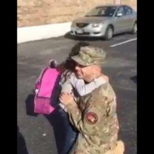 Soldier surprises daughter after 6 months deployment   Credit: Newsflare #news #alternativenews
