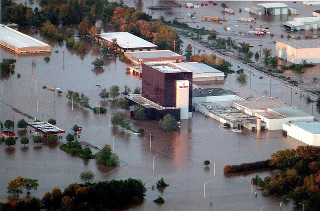 Hurricanes suck. (In 1999, Hurricane Floyd brought devastation to North Carolina. Flood waters surrounded Hardee's corporate headquarters in Rocky Mount, N.C.)