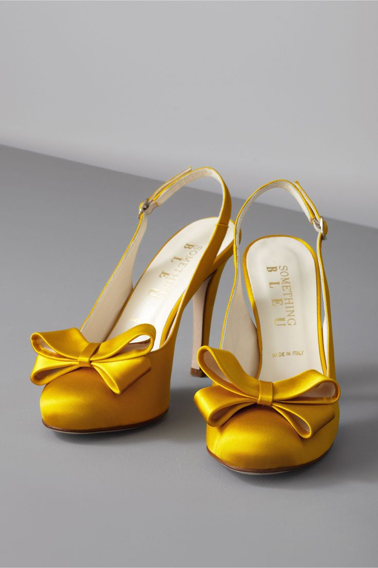 Slingbacks: Yellow Gold, Wedding Shoes, Style, Yellow Wedding, Color, Wedding Ideas, Bow Topped Slingbacks, Yellow Shoes, Bows