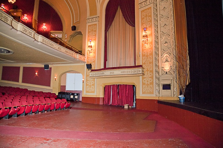 12 best images about paramount theater on pinterest the for Open balcony in a theatre