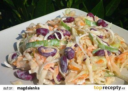 Zelný salát s fazolemi, pórkem a mrkví recept - TopRecepty.cz