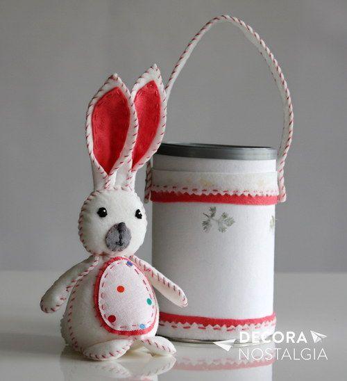 Ručně vyrobený dárek - zajíček v krabičce