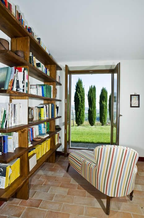 Marche vacation rental villa with panoramic views sleeping up to 16 between Ascoli Piceno and Macerata
