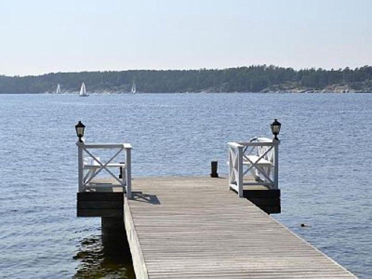 Your Sea Dream - Fantastiskt sjöställe Egen udde bryggor, orangeri & havsutsik - Stockholm - BostadsPortal.se