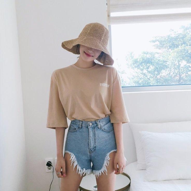 ♡Logo入り5分袖ゆるTシャツ♡ #レディースファッション #ファッション通販 #ファッショントレンド #新作 #最新 #モテ服 #韓国ファッション #韓国レディース通販 #ootd #wiw  #fashionaddict #womensfashion #fashion  https://goo.gl/d5fzxs