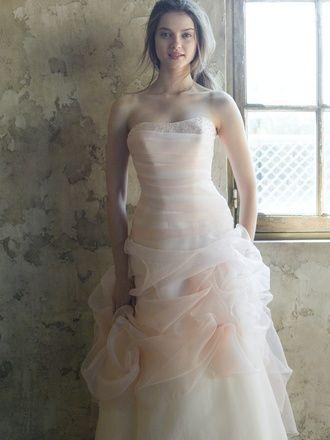 ピンクのスレンダー ウェディングドレス・花嫁衣装・カラードレスのまとめ一覧♡