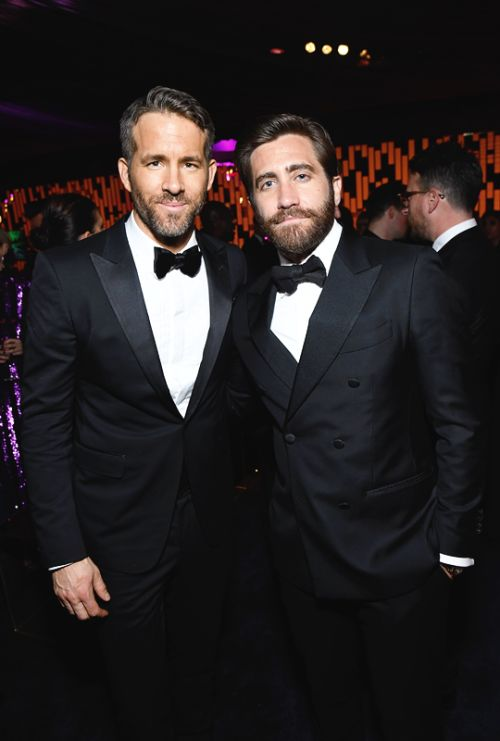 Ryan Reynolds and Jake Gyllenhaal (2017) 😮MA CHE BARBA ste barbe‼️