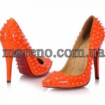 Туфли CL с шипами оранжевые