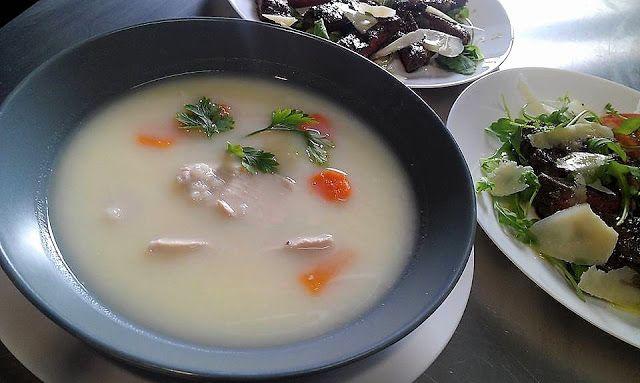 Supa de pui cu orez si lamaie