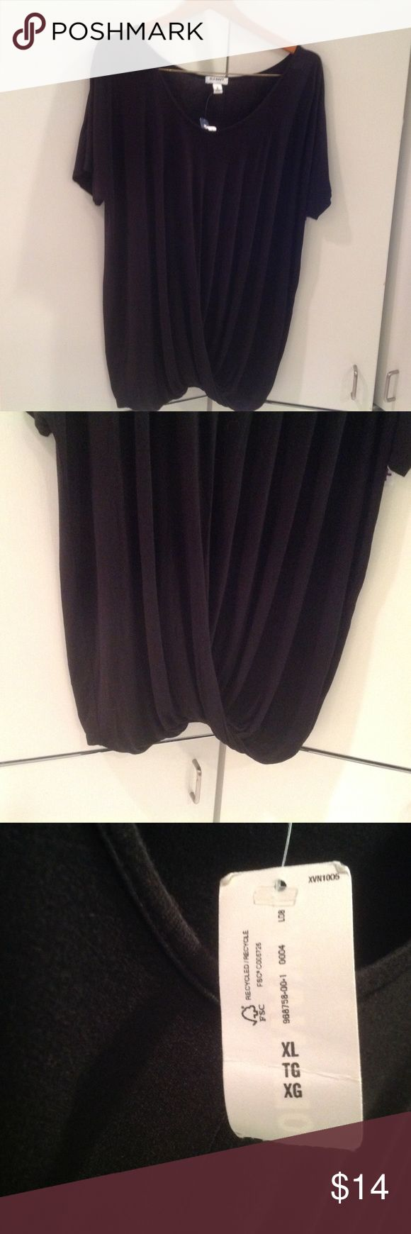 WEEKEND SALE!  Black twisted front shirt NEW Old navy short sleeve twisted front drape.  Very comfortable and flattering. Size XL Old Navy Tops