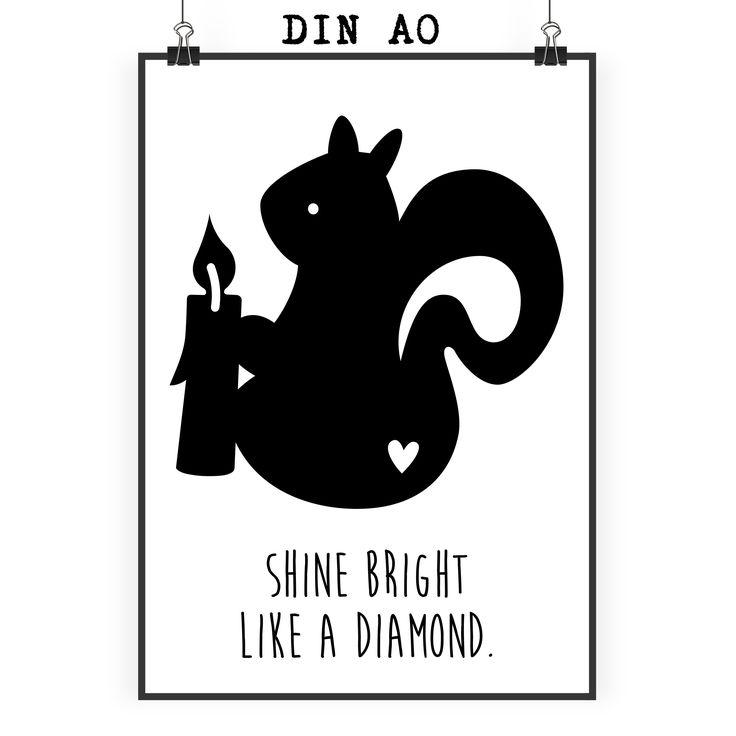 Poster DIN A0 Eichhörnchen mit Kerze aus Papier 160 Gramm  weiß - Das Original von Mr. & Mrs. Panda.  Jedes wunderschöne Poster aus dem Hause Mr. & Mrs. Panda ist mit Liebe handgezeichnet und entworfen. Wir liefern es sicher und schnell im Format DIN A0 zu dir nach Hause. Das Format ist 841 mm x 1189 mm.    Über unser Motiv Eichhörnchen mit Kerze  In besinnlichen Zeiten zünden wir uns gerne eine Kerze an. So auch das kleine Eichhörnchen, dass eine brennende Kerze in seinen Pfoten hält…