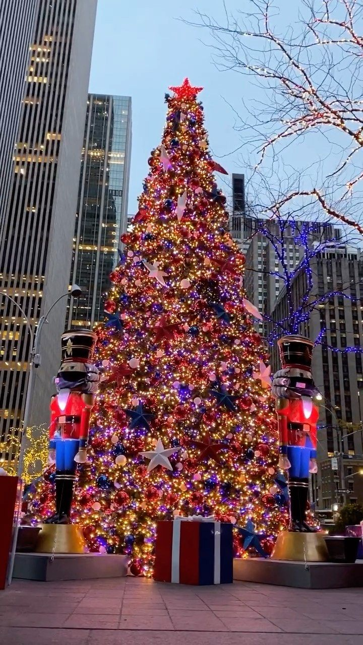 Christmas City Classic 2021 Nyclive On Instagram Perfectly Socially Distanced Nutcrackers In 2021 New York Wallpaper Christmas Apartment New York Travel
