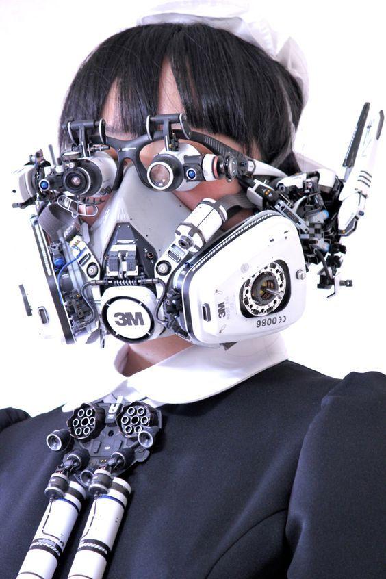 """ikeuchi-products: """"Head-set. 試験製作ヘッドセット 素材:Bluetoothヘッドホン、ルーペ、ビデオカメラ、防毒マスク、モバイルバッテリー。 """""""