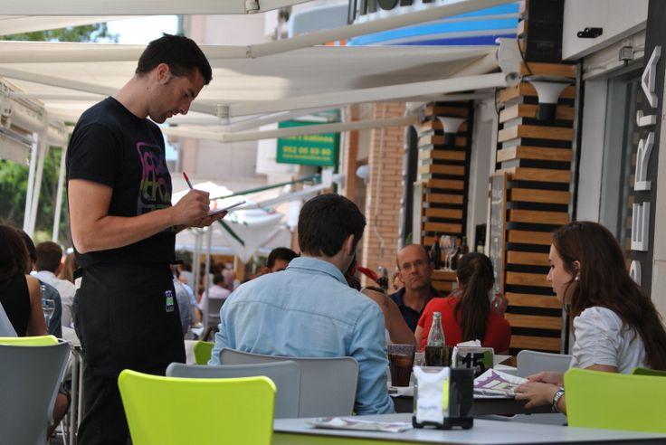Os esperamos en PadthaiWok Málaga (Teatinos) para atenderles así de bien.