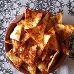 These crisps fit with the slimming world food optimising plan which was recommended to me by a friend. They're just par-boiled pasta sheets, baked with seasoning. So simple, but so good!