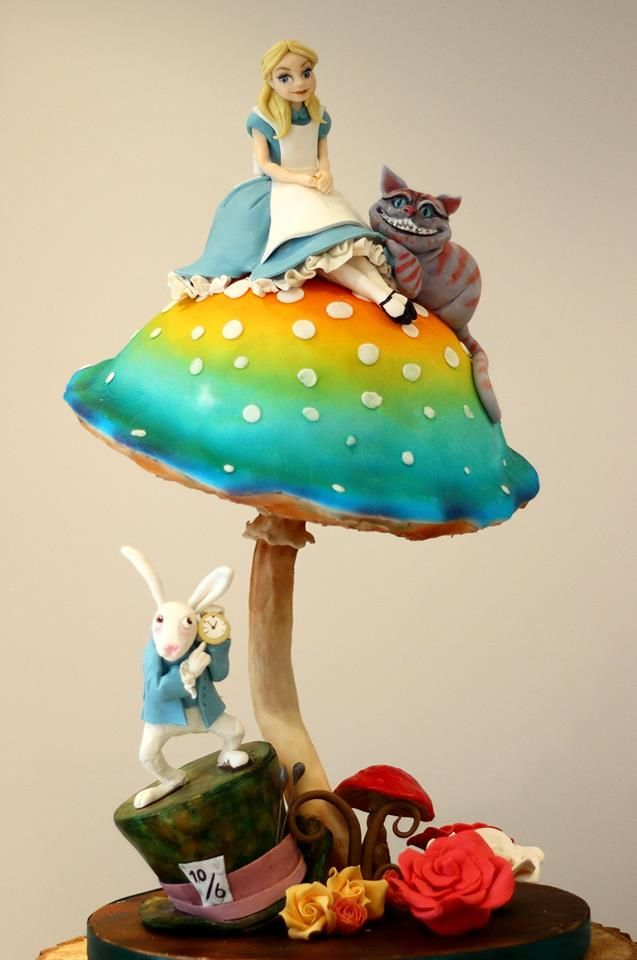 Cake Decorating Bagshot : 1000+ images about Wonderland Cakes on Pinterest Mad ...