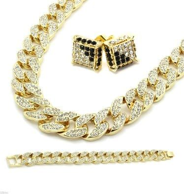 Cuban link gold chain and bracelet for another level of swag. High quality brass is used for the product in order to have the feel of solid gold chains. Cubic zirconia gems look exactly like real diamonds.    Available payment methods: