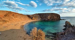 Playa Papagayo, Lanzarote, Ilhas Canárias, Espanha. Author Luc Viatour www.Lucnix.be. Licensed under the Creative Commons Attribution-Share Alike