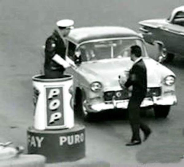 Bakırköy Meydanı'nda bir trafik polisi (1960'lar) #istanlook #nostalji