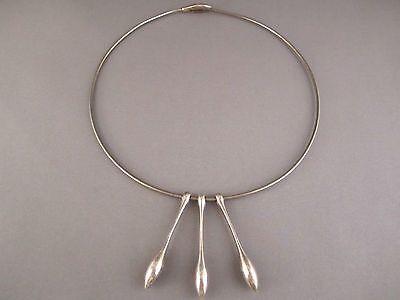 Kaunis Koru, vintage minimalist sterling silver drops neckpiece. #Finland | FinlandJewelry.com