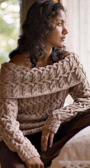 Узорчатый пуловер спицами Пуловер с узорами из кос связан спицами. Пуловер имеет красивый воротник, изящно подчеркивающий линию плеча. Пуловер связан из пряжи бежевого цвета. Такой пуловер из-за узора потребует значительного расхода пряжи, но это оправдывается великолепным полученным конечным результатом. Узорчатый пуловер связан из пряжи 100% шерсть. Для вязания пуловера вам понадобятся круговые спицы №4.5 ,№5, №5.5 и №6 длиной 80 сантиметров. Как связать узорчатый пуловер спицами смотрите…