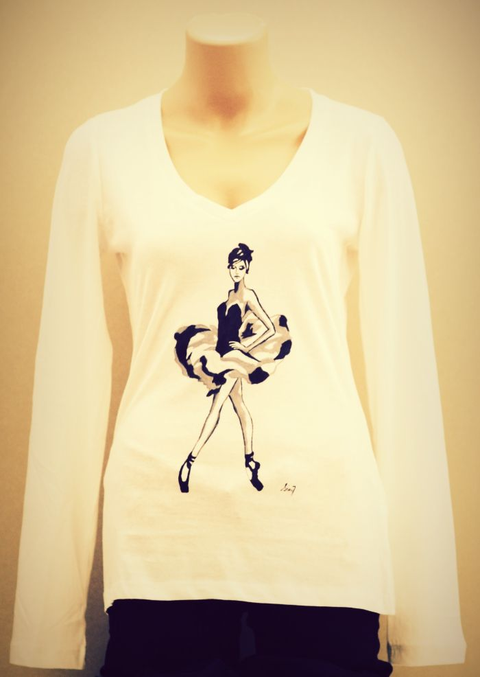 Handmade painted blouse with textile colors. Pointe ballerina design.