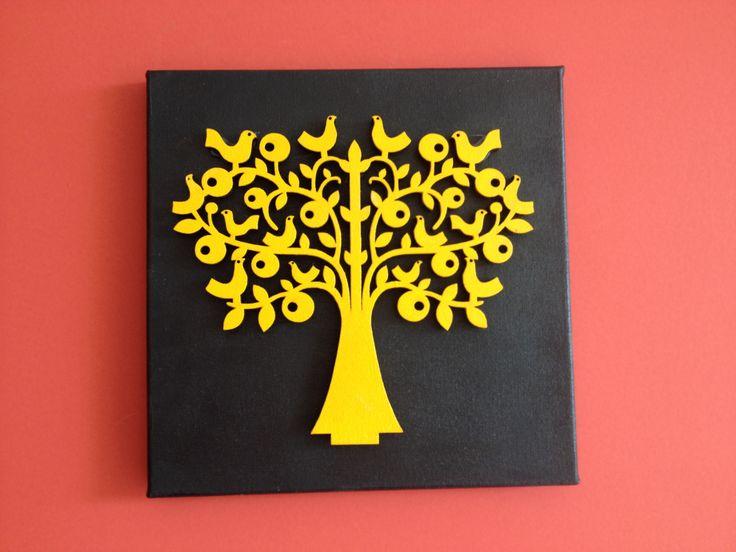 Árvore e passarinhos! Mdf pintada aplicada sobre tela com cola quente