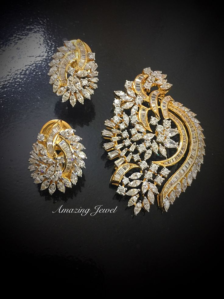 #amazingjewel #pendantset #silver #sterlingsilver #jaipur #partywear #designer We expertise in high end Sterling Silver Jewelry. Facebook: https://www.facebook.com/pages/Amazing-Jewels/1535453186668481?ref=hl Email: amazingjeweljpr@gmail.com Contact: 07742299893