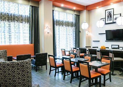 Hampton Inn Stafford/Quantico-Aquia Hotel, VA - Lounge Area