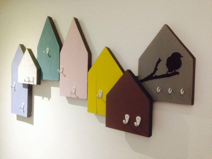 DIY huisjes kapstok! Kijk voor uitleg op tantesetje.blogspot.nl