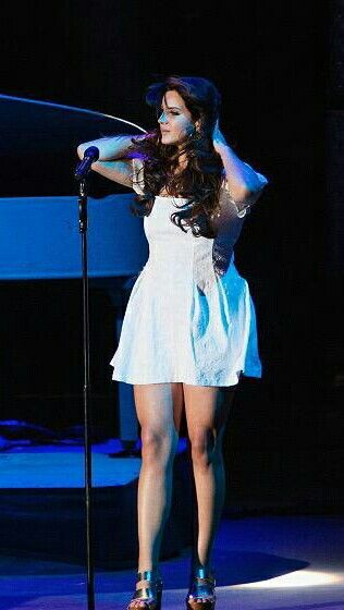 Lana Del Rey performing at Sasquatch Festival #LDR #Endless_Summer_Tour