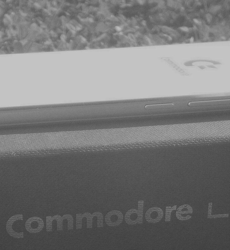 #fewdaysago #newsmartphone #comingsoon www.commodoresmart.com
