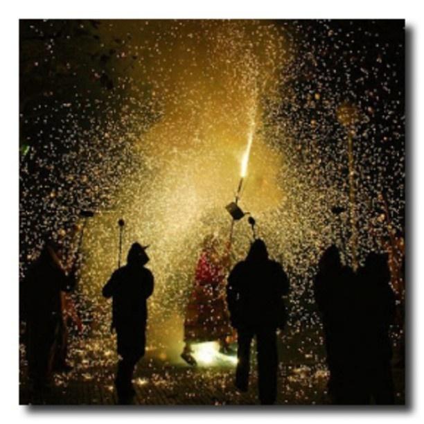 """A molts pocs dies de donar la benvinguda a l'estiu i celebrar la Revetlla de Sant Joan, ens despertem un dijous més amb la captura guanyadora del #My_BCNmoltmes, aquesta setmana amb tema """"revetlla"""". Moltes felicitats @supersiusan!!"""