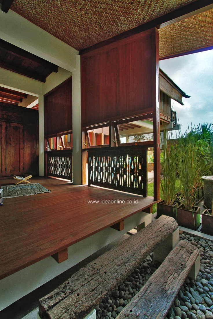 Small praying room. Architect: Eko Prawoto, Owner: Eko Nugroho, Photo: iDEA/Indra Zaka Permana