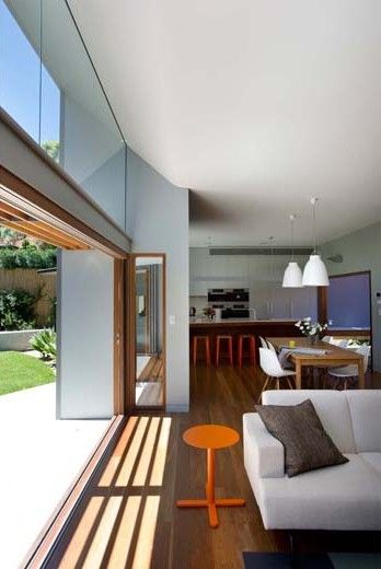 A contemporary single storey structure is added to a Federation style house within a heritage conservation area in Cremorne. The project involved the sensitive restoration of the existing heritage house and the the demolition of unsympathetic additions and offers new living spaces at the rear...