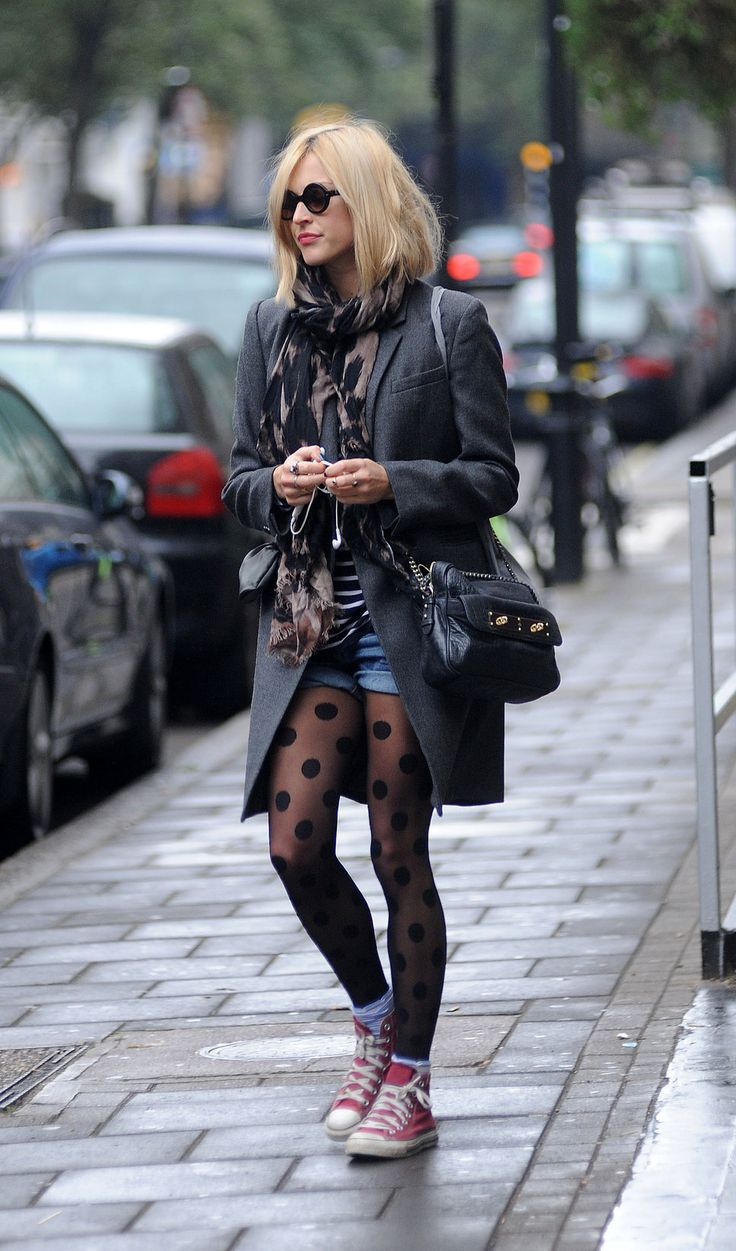 fearne cotton wearing polka dots tights with jean shorts.