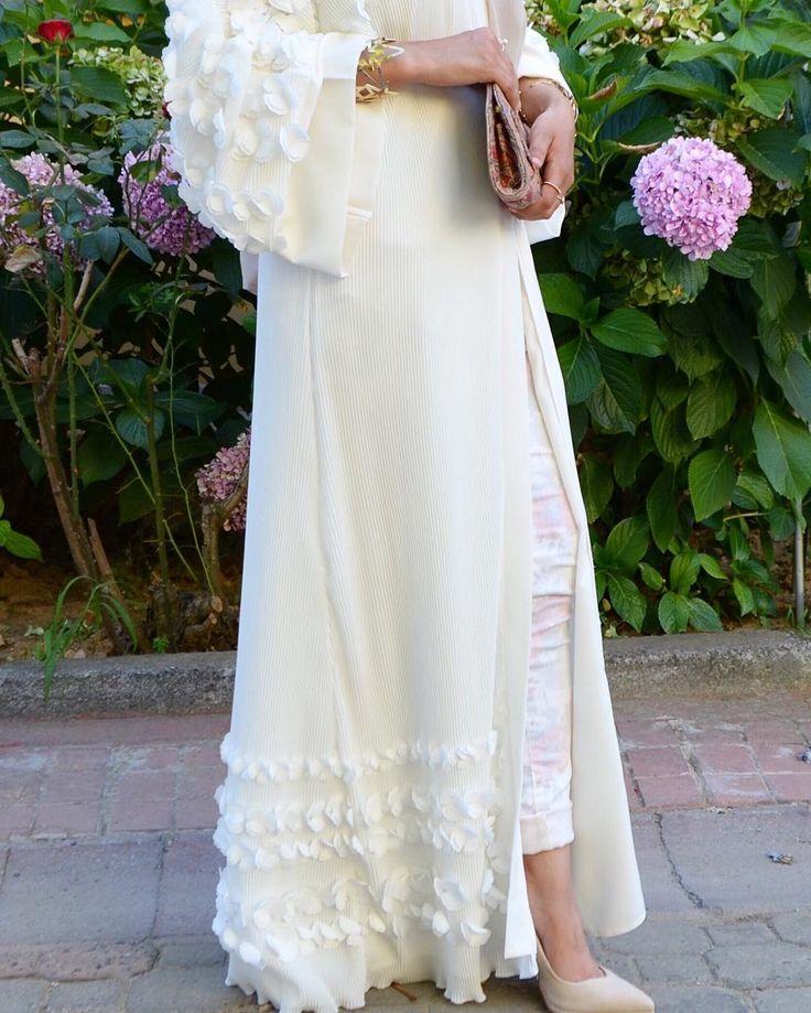 White  #EsteeAudra #abaya