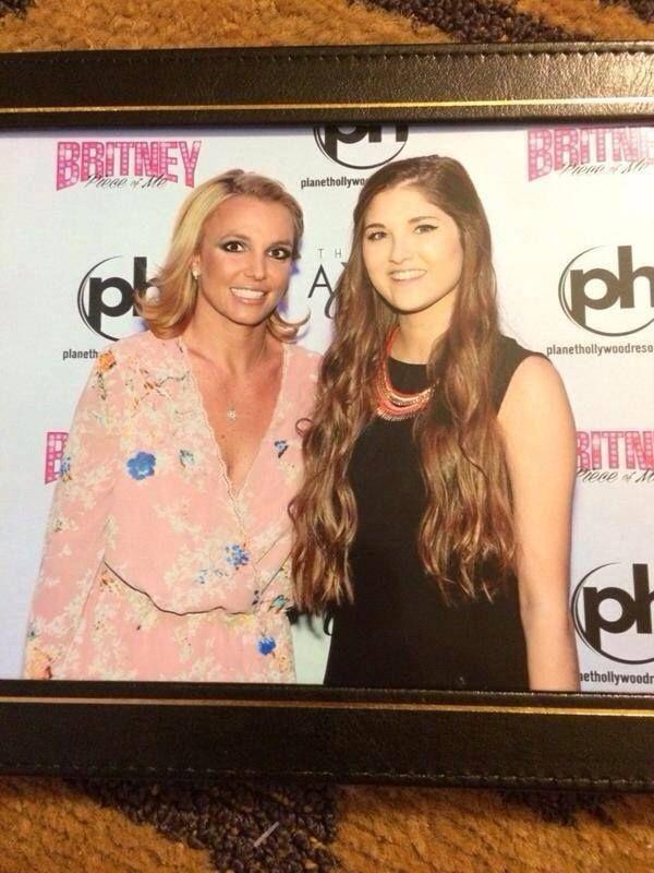 Britney spears the 18 most hilariously awkward celebrity meet britney spears the 18 most hilariously awkward celebrity meet greet pictures page 4 of 5 boredbug awkward meet greets pinterest awkward m4hsunfo