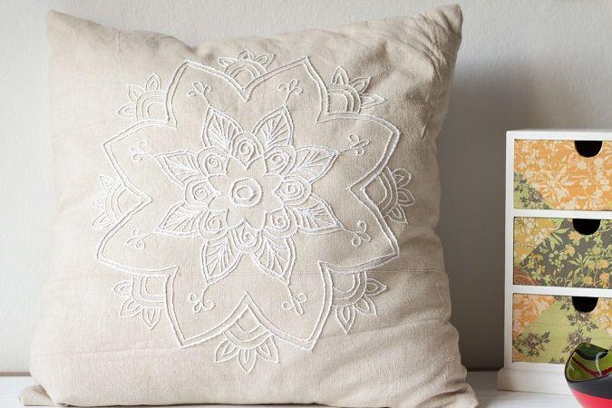 die besten 25 kissen besticken ideen auf pinterest stitching leinengewebe und kissen. Black Bedroom Furniture Sets. Home Design Ideas